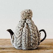 おばあさんの手編みのティーコージー 〈オートミール〉